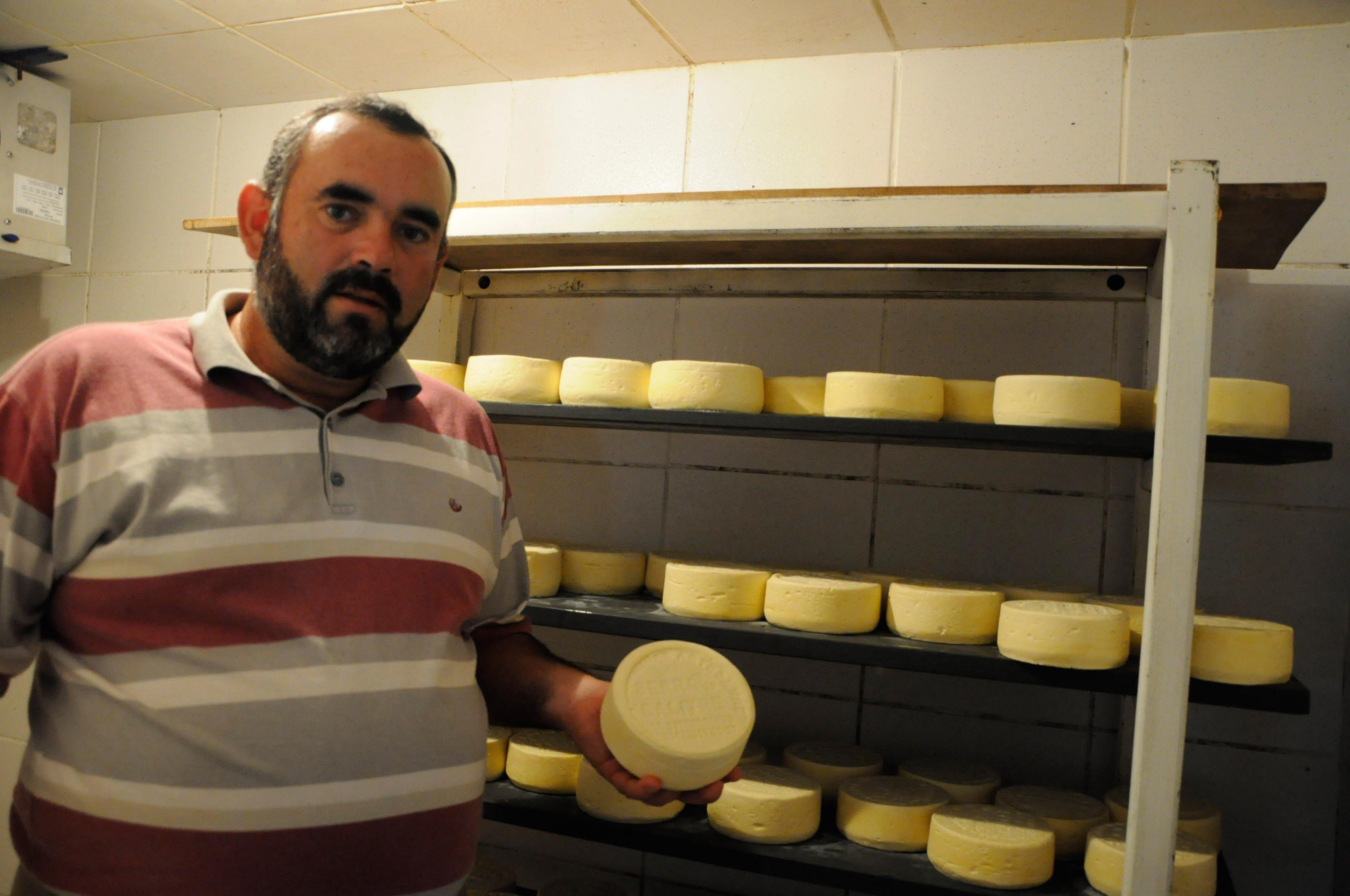 DSC0080web Aprovados: chef de cozinha leva queijos de leite cru para teste em laboratório
